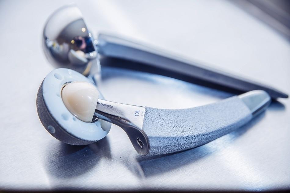 Bioceramic Implant Fixation