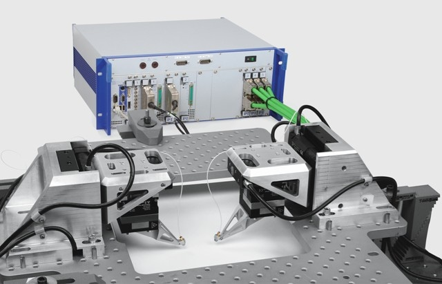 Industry-suited complete systems for wafer probing in silicon photonics.