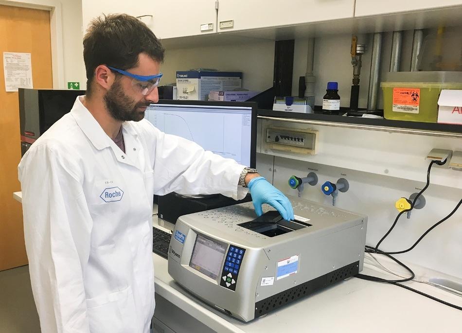"PIPPI Fellow Lorenzo Gentiluomo, hard at work in the lab!"""