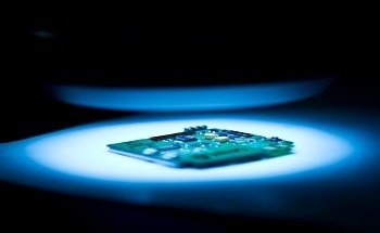 Non-volatile Computer Memory Made From Self Assembled Nanocells