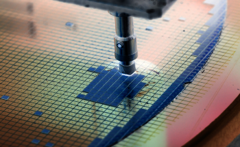 ASML's Cutting-Edge EUV Lithography Shrinks Transistors Down to 5 nm