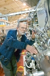 X-ray Microscopy Bridges the Resolution Gap Between Optic and Electron Microscopy
