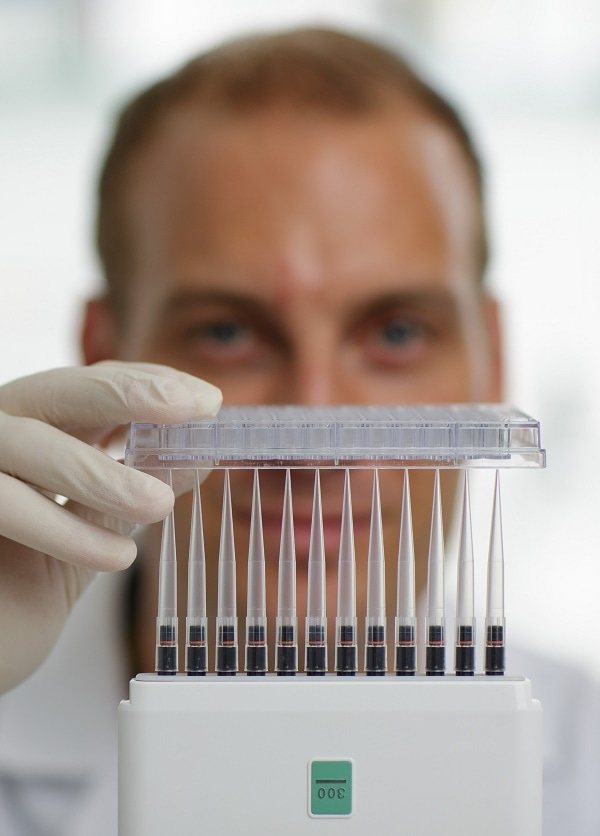 Pipetting Tips - Straight as a Plate or as Uneven as a Mountain Range?