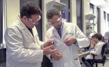 Nanotube Fibers can Bridge Damaged Heart Tissues