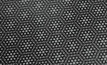 Study Analyzes Electron Behavior While Graphene Layers Produce Moiré Effect